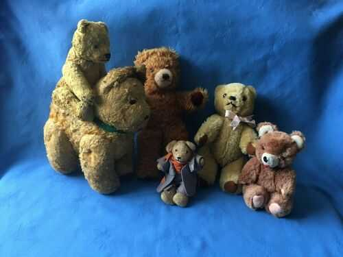 A Hug of Vintage Old Bears, Two Deans Bears, Dog Bundle Lot
